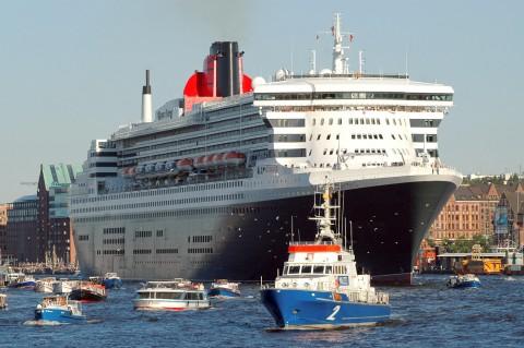 Foto ID 20150216-7 Queen Mary 2 zu Besuch in Hamburg