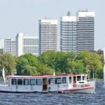 Foto ID 201604122 Mundsburg Tower, Alsterschipper Goldbek, Alster in Hamburg
