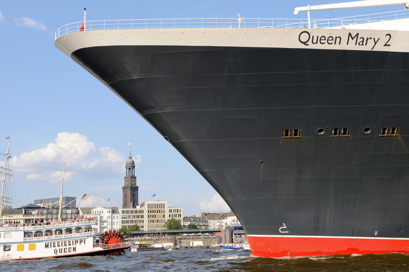 Foto-ID 1502207 Das Kreuzfahrtschiff Queen Mary 2