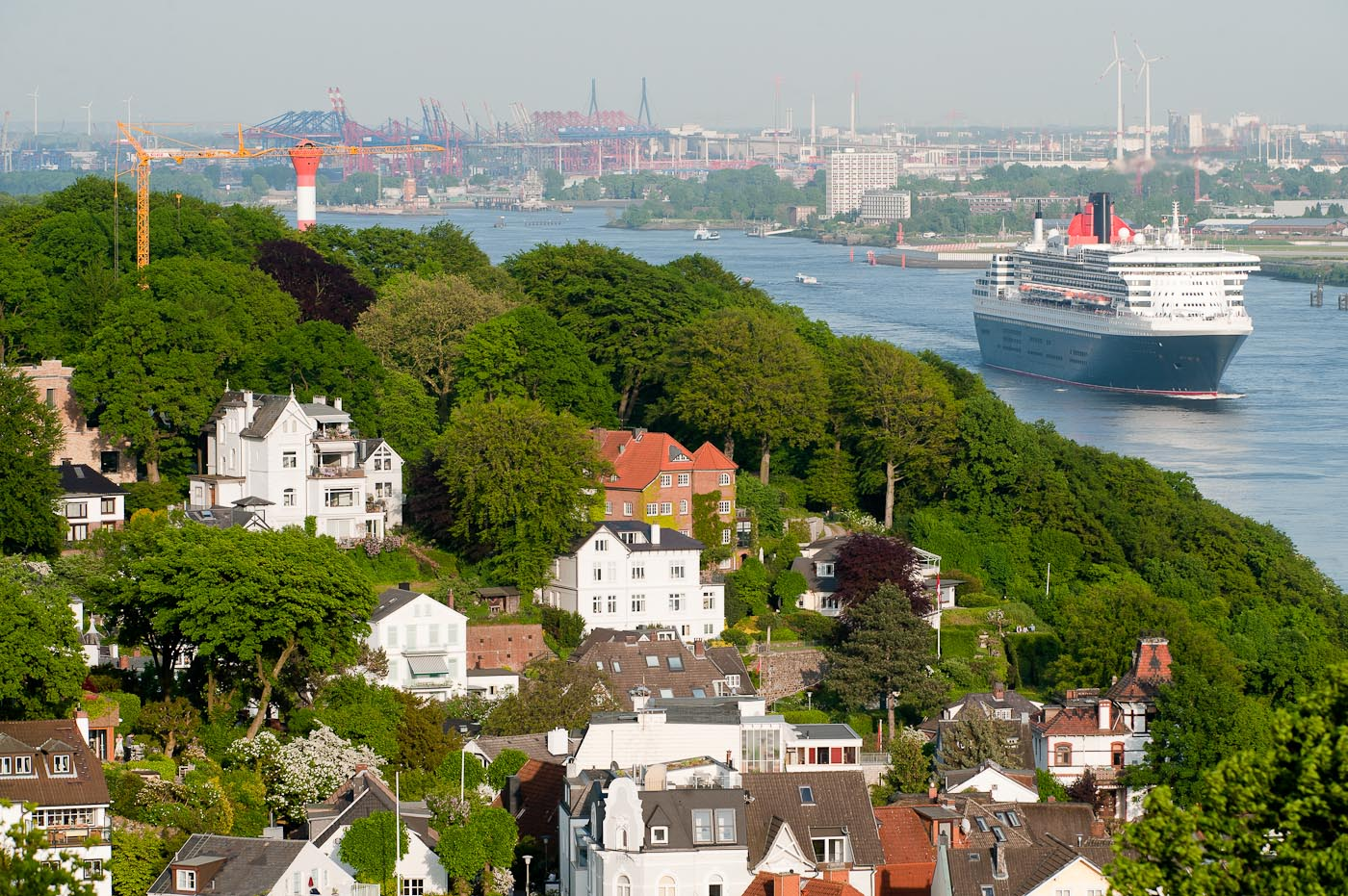 Foto-ID 15002242 Queen Mary 2 Hamburg Blankenese
