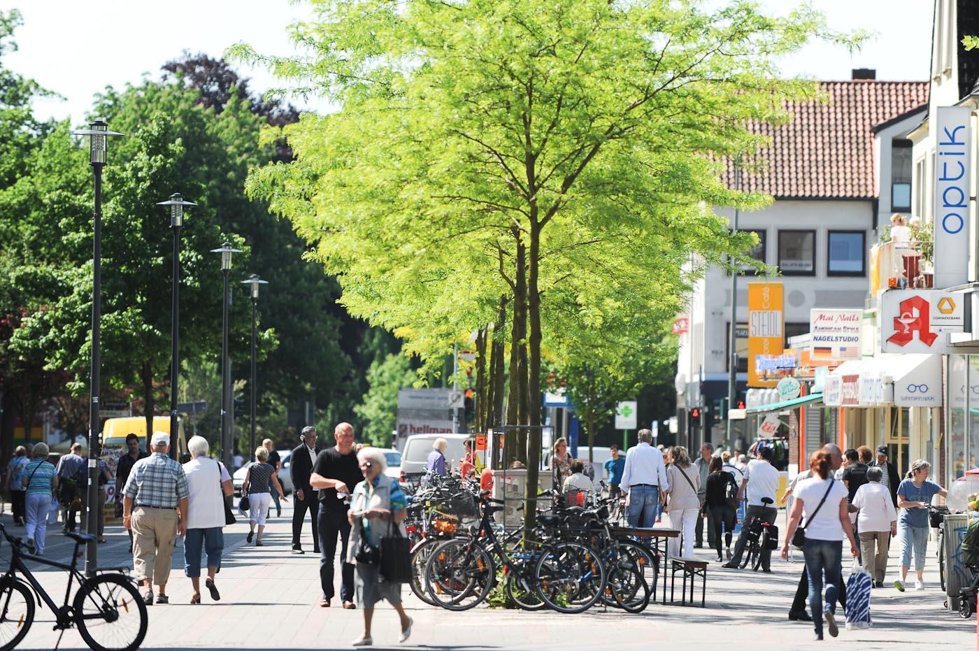 Foto ID 2014063005 Fußgängerzone Rahlstedter Bahnhofstraße