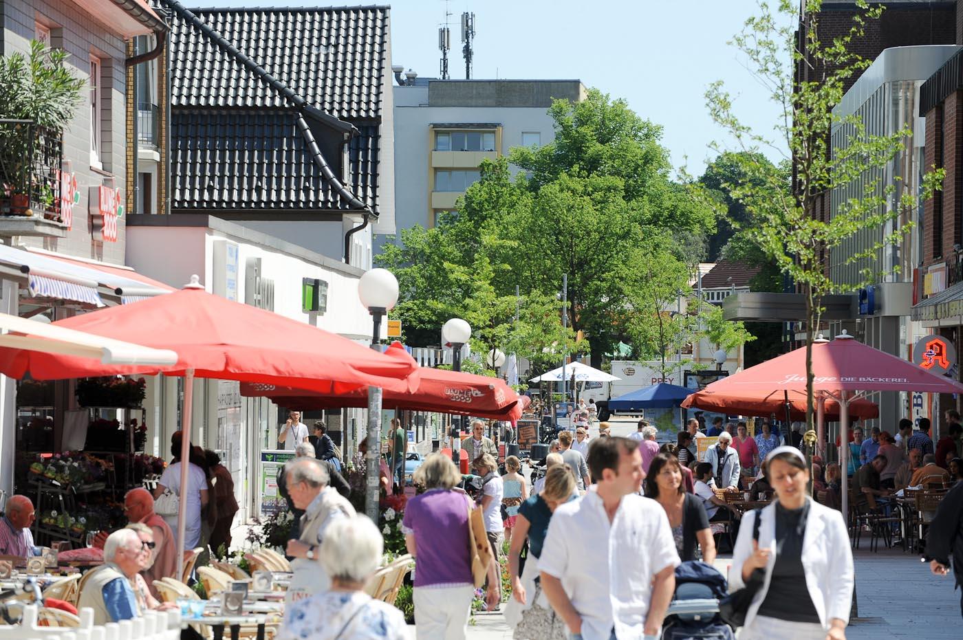 Foto ID 2014063007 Fußgängerzone Rahlstedter Bahnhofstraße