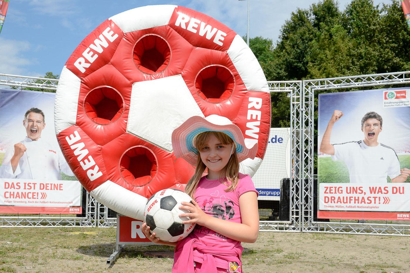 Foto ID 2014080920 Rewe Fussballwelt