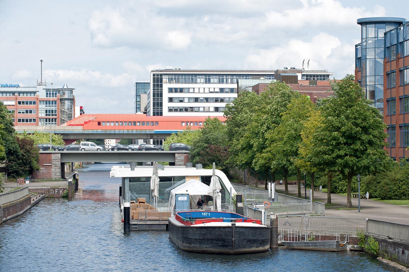 Foto ID 15042621 Blick auf den Mittelkanal in Hamm-Sued, Hamburg