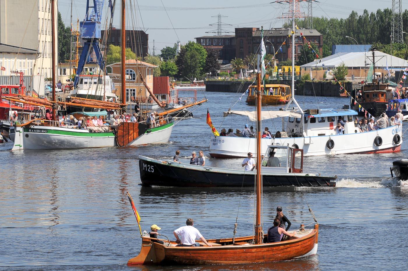 Foto ID 2015041705 Harburg Hafen