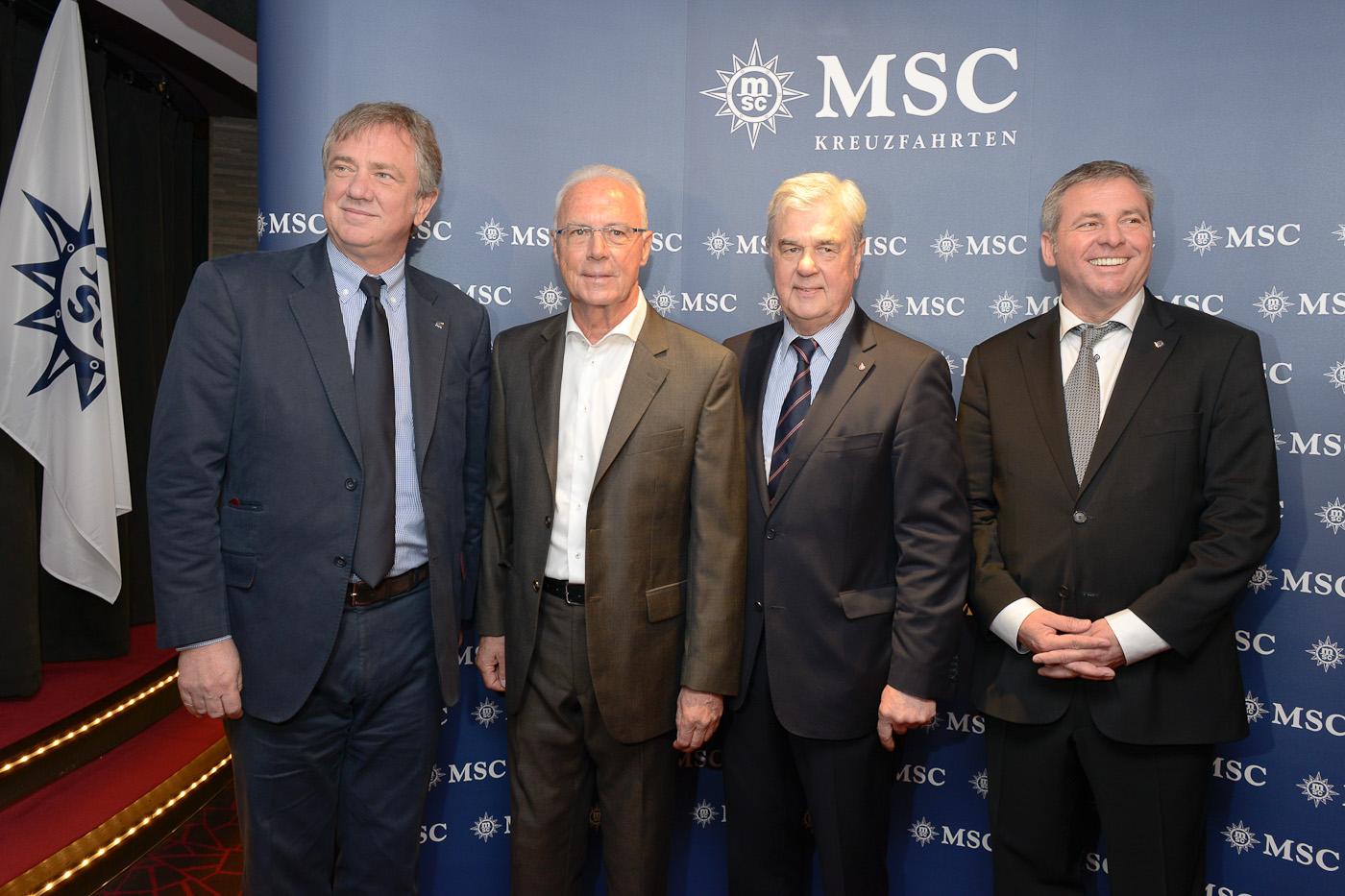 v.l. Pierfrancesco Vago (Executive Chairman MSC Cruises), Franz Beckenbauer, Frank Horch (Senator für Wirtschaft, Verkehr und Innovation Hamburg), Michael Zengerle (Geschäftsführer MSC Kreuzfahrten Hamburg)