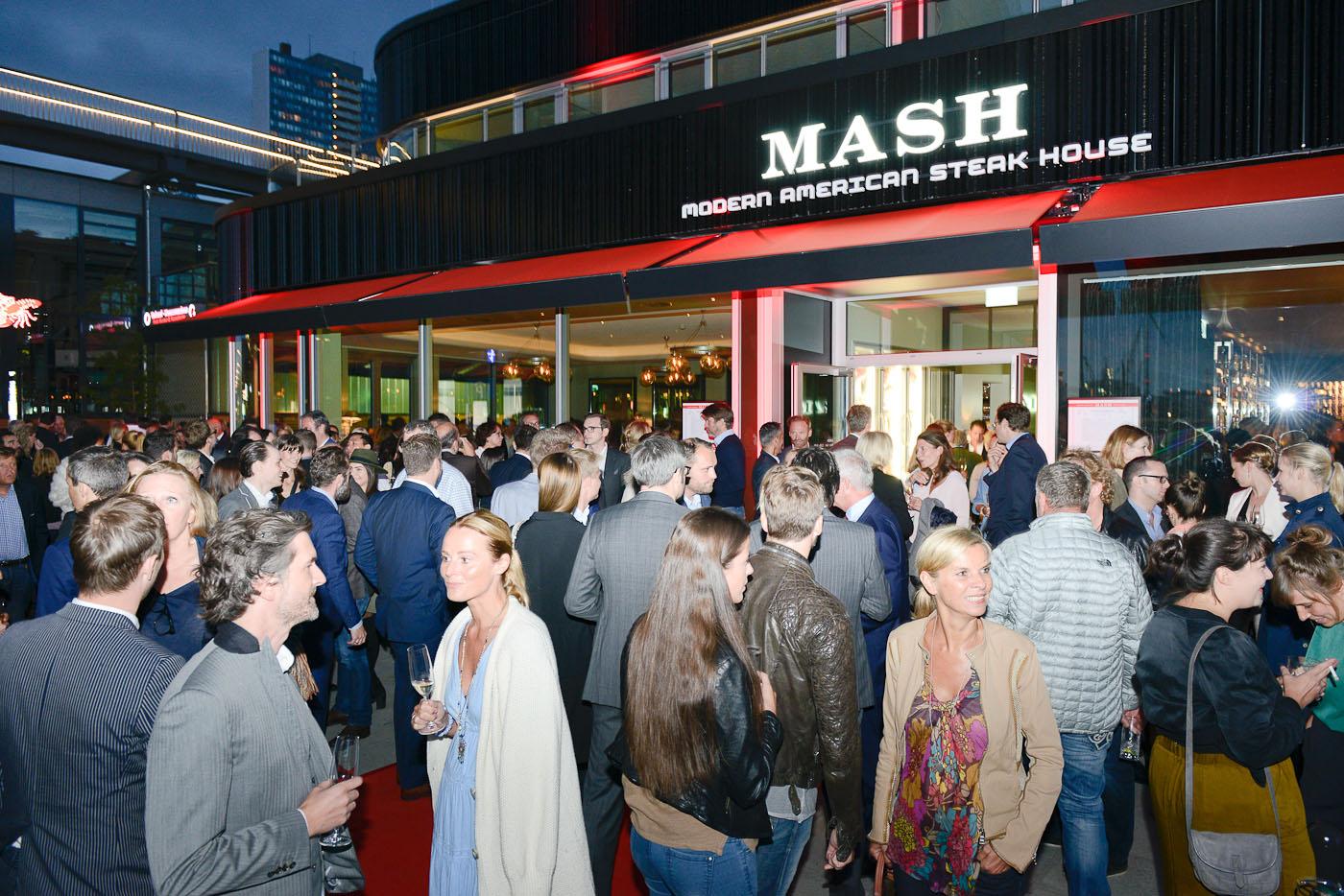 Foto ID 15090302 Eröffnung MASH Steak GmbH