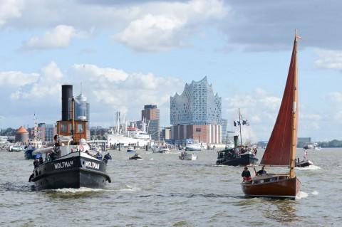 Foto ID 15100601 Parade der Traditionsschiffe