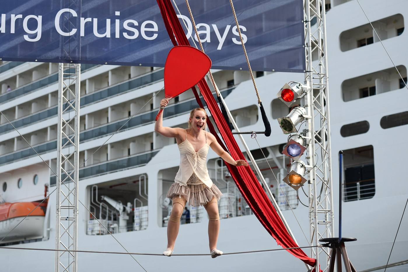 Foto 15091341 HafenCity Hamburg Cruise Days 2015