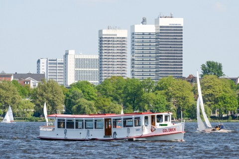 Foto ID 201604122 Mundsburg Tower, Alsterschipper Goldbek, Alster in Hamburg