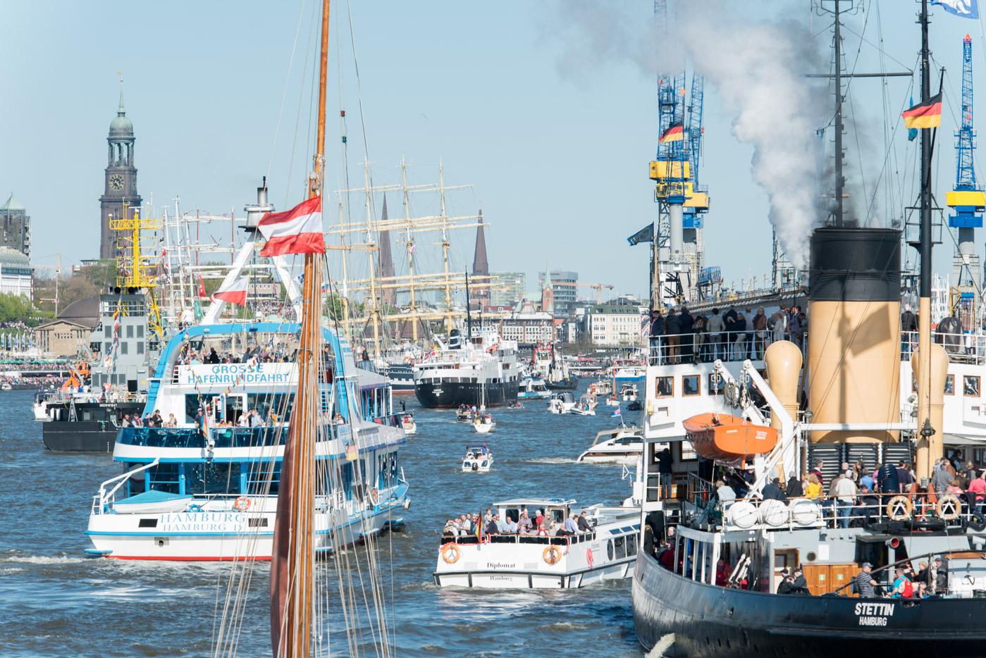 Foto ID 160507012 Einlaufparade Hafengeburtstag